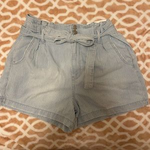 AE high wasted mom short